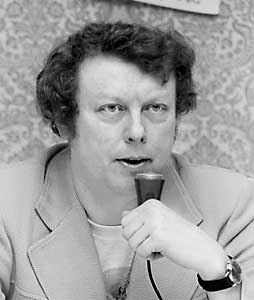 Dickson lecturing at Minicon in 1974