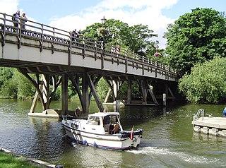 Goring and Streatley Bridge