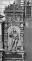 Grabdenkmal für Prinz Albrecht den Jüngeren von Baden-Durlach (* 12. Juni 1555 ; † 5. Mai 1574), Sohn des Markgrafen Karl II. und der Kunigunde von Brandenburg-Kulmbach, Denkmal von 1577 im Stiftschor der Schlosskirche in Pforzheim.png