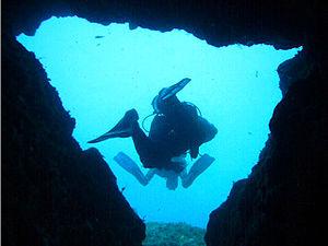 Grotta della Colombara Portofino.jpg
