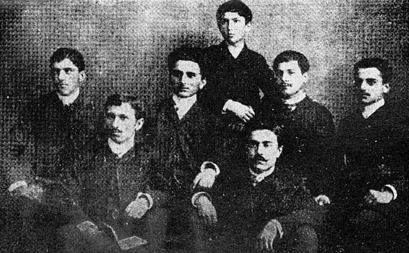 File:Grupul Orientul fotografiat la 10 Mai 1889.JPG