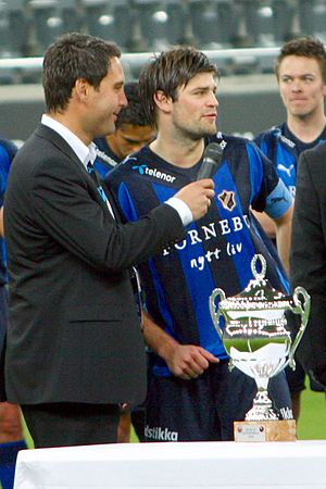 Superfinalen - Stabæk captain Morten Skjønsberg receiving the trophy.