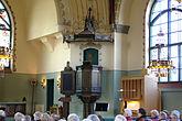 Fil:Hörnefors kyrka Predikstol kororgel 2012-05-22.jpg
