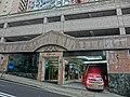 HK 北角半山 North Point Mid-Levels 雲景道 56 Cloud View Road 富豪閣 Beverley Heights entrance Apr-2014 n inddor carpark.JPG
