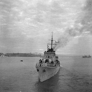 HMS Atherstone (L05) - Image: HMS Atherstone 1942 IWM H 23637