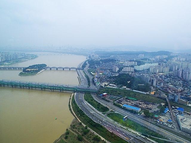 640px-Hangang_Railway_Bridge%2C_Seoul%2C