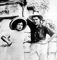 Hilda Gadea y Che Guevara - Luna de miel - Yucatán 1955.jpg