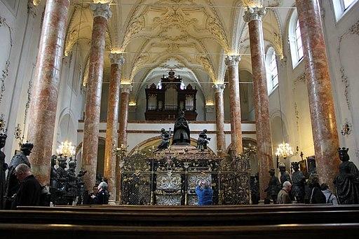Hofkirche 4