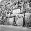 Inscriptie als gedenkplaat in de wand van het dal van de Nahr el Kelb, Bestanddeelnr 255-6436.jpg