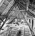 Interieur, overzicht houten kapconstructie, tijdens verbouwing - Dinther - 20336447 - RCE.jpg