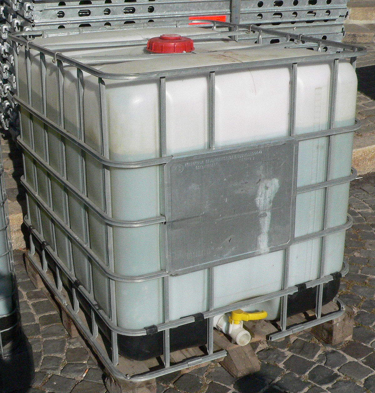 Intermediate Bulk Container – Wikipedia