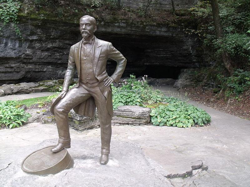 Jack Daniel statue.JPG