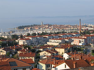 Jagodje - Jagodje in the front with Izola in the background
