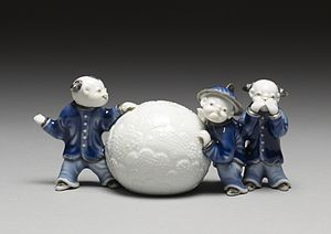 Mikawachi ware - Image: Japanese Brush Rest in the Form of Boys with a Snowball Walters 49917
