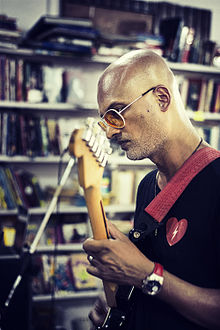 Jeet Thayil performing at Goobe's Book Republic, Bangalore.jpg