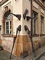 Jelenia Góra - rzeźba - Vahan Bego, Jeleniogórski Szczudlarz - 001.jpg