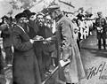 Jews in Dęblin greet Piłsudski, 1920.png