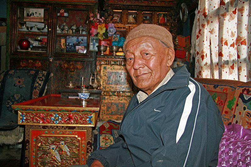 Raja Jigme Dorje Palbar Bista, raja terakhir dari Kerajaan Buddhis Mustang Atas (Kerajaan Lo).