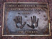 Le impronte delle mani di Jim Carrey alla Leicester Square di Londra
