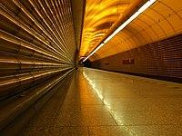 Jinonice, stanice metra Jinonice, nástupiště.JPG
