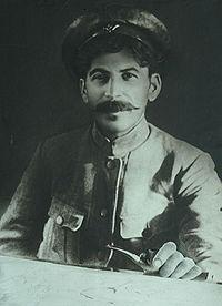 Staline, commissaire bolchevique à Tsaritsyne à l'été 1918, au début la guerre civile russe.