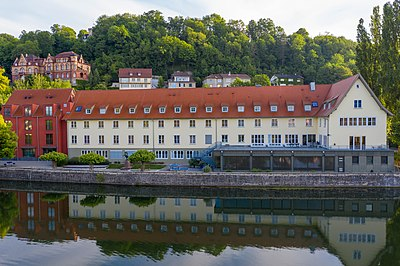 Jugendherberge in Tübingen von der Neckarseite.jpg