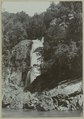 KITLV - 25671 - Demmeni, J. - Kelang Gak, waterfall in the Mahakam that falls approximately 50 meters on the right bank - 1897-04.tif