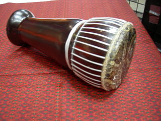 Skor daey A Cambodian goblet-drum; similar drums (or the same drum with different names) include skor touch (small drum) and skor arak, skor kar, skor ayai.