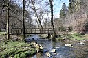 Kielbaach with bridge, upwards at Drëps, Mamer.jpg