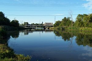 Kinnickinnic River (Milwaukee River tributary) - Looking north from Baran Park.