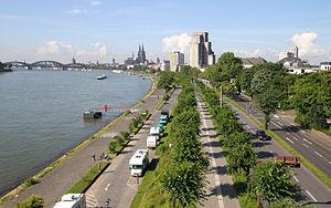 Konrad-Adenauer-Ufer Köln von Nordosten.jpg