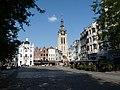 Kortrijk Grote Markt en Sint-Maartenskerk.jpg