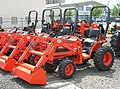 Kubota LA302 light utility tractors.jpg