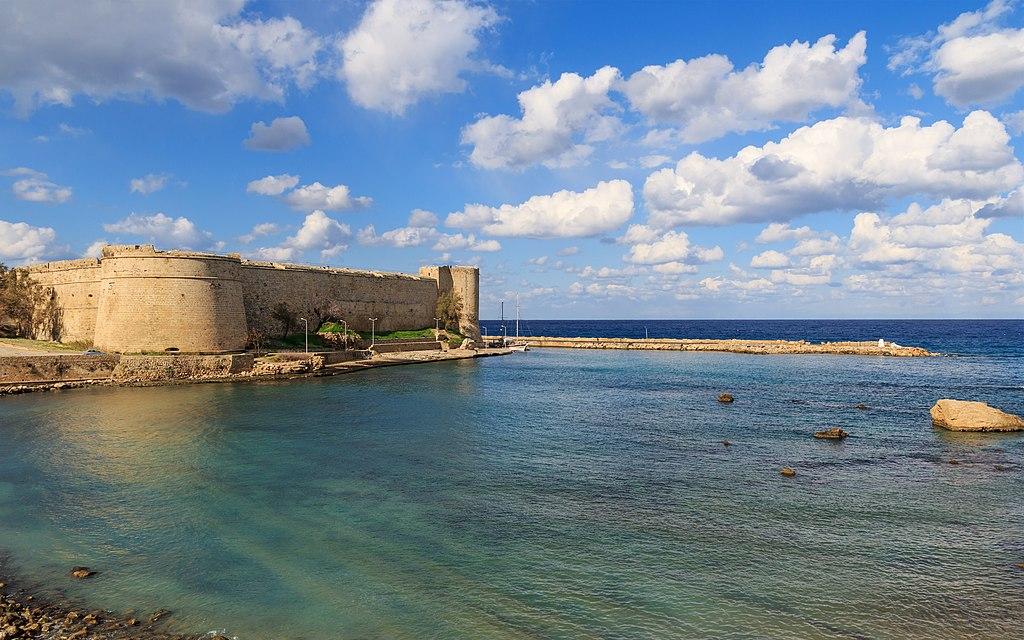 Kyrenia 01-2017 img02 Castle exterior.jpg