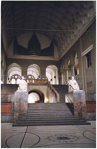 German Bestelmeyer - Image: LMU Stiege, München