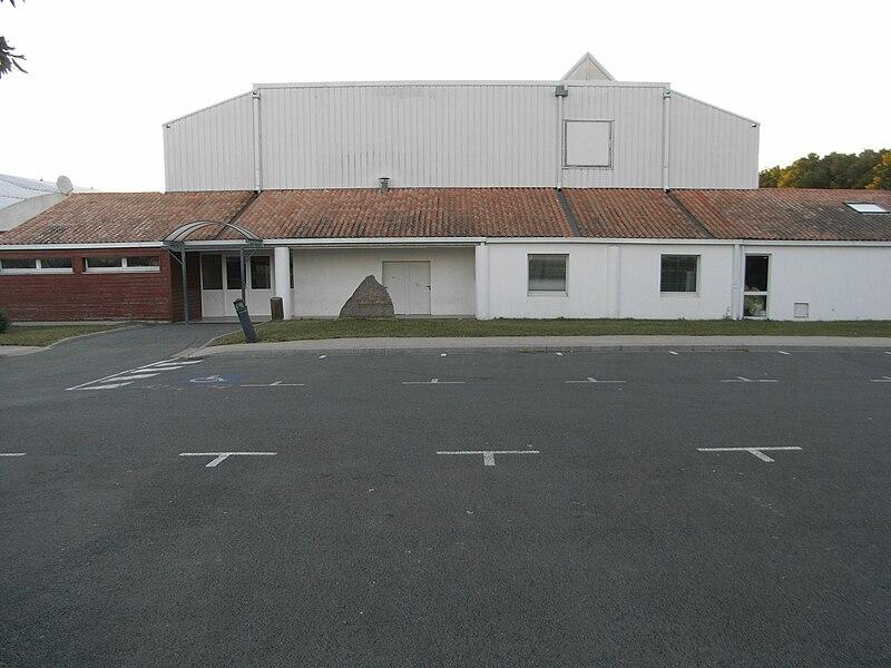 Salle de sports polyvalente de la commune de La Jarrie en Charente-Maritime (France).