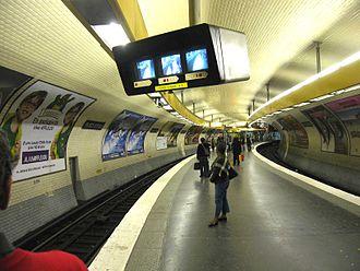 Place d'Italie (Paris Métro) - Image: Ligne 5 Place d'Italie 1