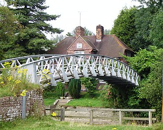 Poohsticks - Little Wittenham Bridge with the lock keeper's house beyond