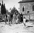 Ljudje gredo od maše, Dekani 1949.jpg