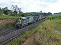 Locomotivas de comboio que passava sentido Guaianã pelo pátio de cruzamento Itaici em Indaiatuba - Variante Boa Vista-Guaianã km 223 - panoramio.jpg