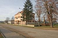 Lodín - bývalá škola.JPG