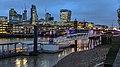 London (40279684791).jpg