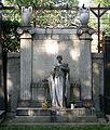 Luisenfriedhof III - Grab Hirschwald.jpg
