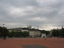 Lyon PlaceBellecour.JPG
