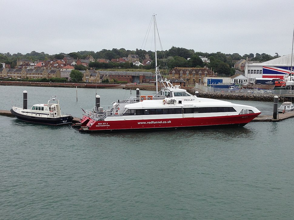 MV Red Jet 3 berthed at East Cowes, 19 August 2018