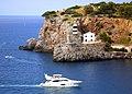 Mallorca. Faros en la entrada del puerto de Soller - panoramio.jpg