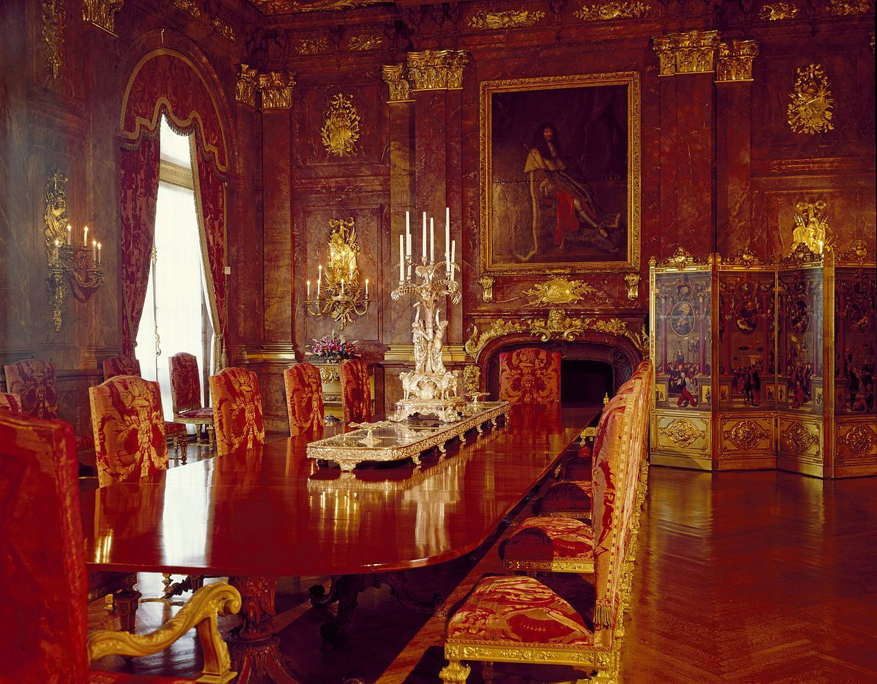 FileMarble House in Newport Dining Room 01jpg  : 1280px MarbleHouseinNewportDiningRoom01 from commons.wikimedia.org size 1280 x 998 jpeg 305kB