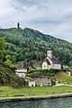 Maria Wörth Rosenkranzkirche mit Pfarrhof und Pyramidenkogel NO-Ansicht 06052019 6763.jpg