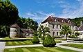 Marmagne Abtei Fontenay Hof 04.jpg