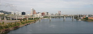 Marquam Bridge - View from the south (from Ross Island Bridge) in 2005, before the Tilikum Crossing was built